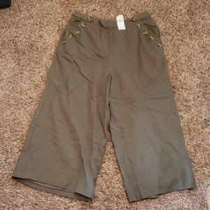 American Eagle wide legged capri pants